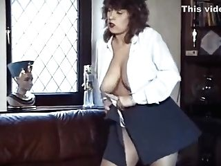 Think I'm Sexy? - Antique Brit Striptease Dance
