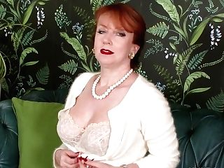 Sandy-haired Cougar Wanks In Retro Seamed Nylons And Designer Stilettos